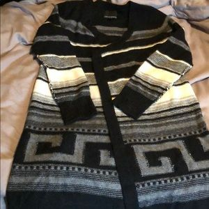 Open front long cardigan.